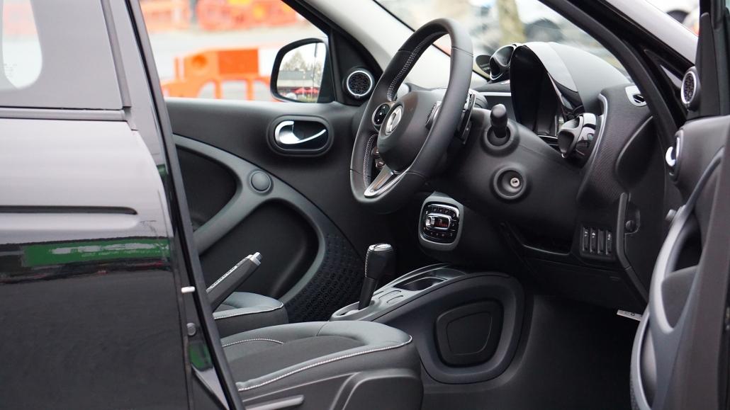 AHU AutoCrew - Autohandel und KFZ-Reparatur - Kontakt